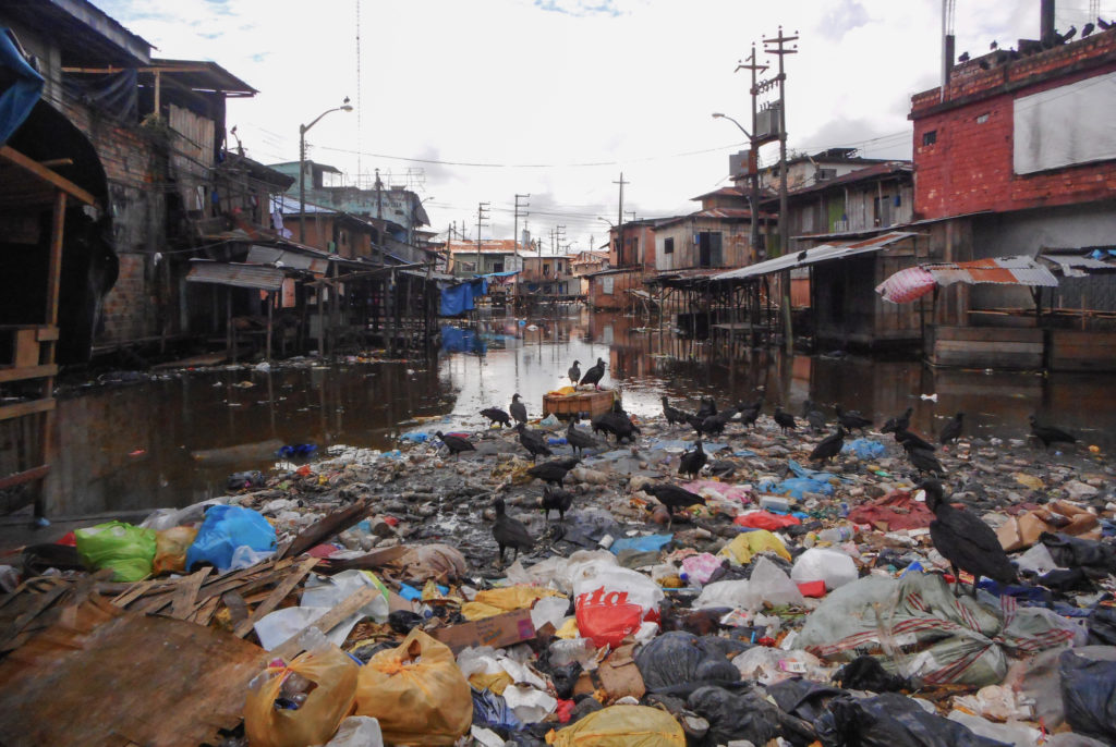iquitos act solution pollution plastique